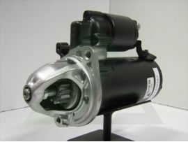 Startmotor OE new Bosch 12V - 1.7kW Mercedes CDI (0.001.115serie) 12.130.185